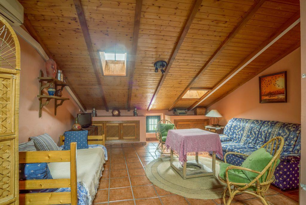 Buhardilla casa rural churruca casa rural churruca jara z de la vera - Casa rural el atroje ...